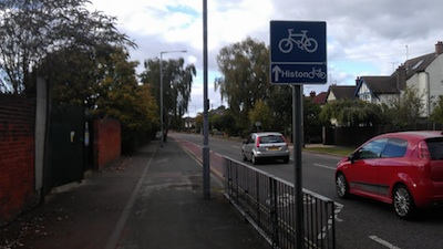 Cycle signage in North Cambridge