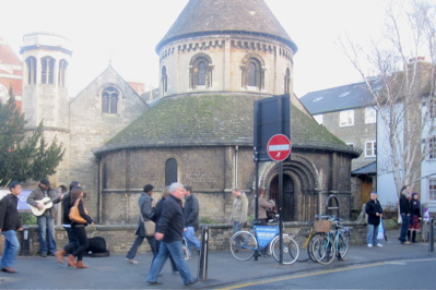 There are proposals to reinstate railings around the Round Church in Cambridge.